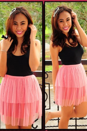 bubble gum skirt - black cotton on top - black bowtie Accessorize ring