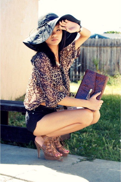 dark brown clutch H&M bag - black Forever 21 hat - black Forever 21 shorts