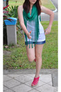 White-spaghetti-strap-gap-top-green-fringed-diy-top