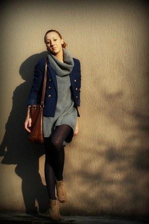 Max Mara dress - H&M blazer - SISI tights - Zara boots - Timberland purse