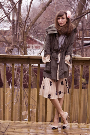 olive green Smart Set jacket - neutral Prada shoes - beige vintage dress