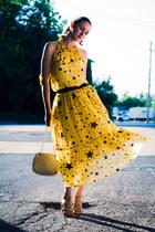 yellow Romwecom dress