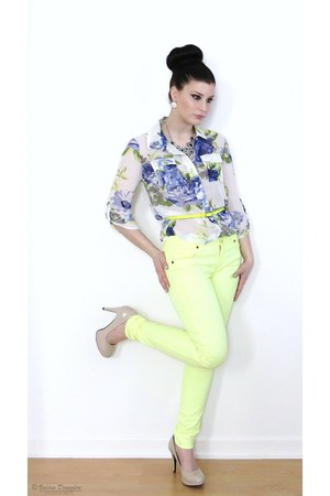 light yellow neon Sirens jeans - navy floral print H&M blouse