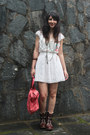 Dark-brown-leather-bata-boots-white-lace-renner-dress-salmon-leather-bag-mr-
