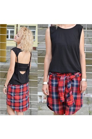 black cut out Cubus t-shirt - ruby red checked Topshop shirt