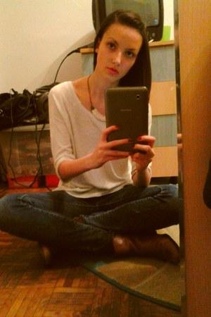 eggshell Vero Moda blouse - navy Bershka jeans - eggshell handmade necklace