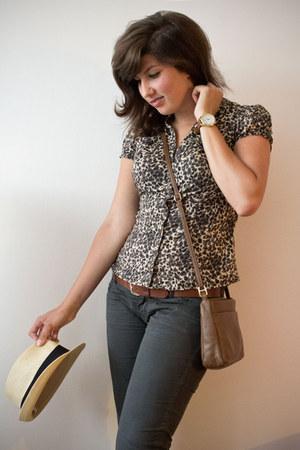 camel blouse - brown bag - tawny belt - gray pants
