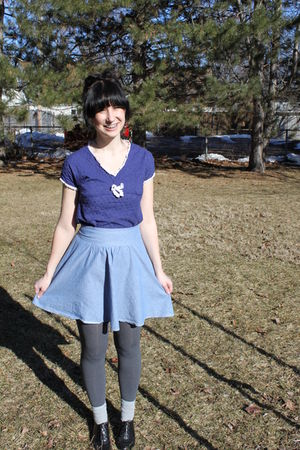 blue thirfted top - blue alloy skirt - gray payless tights - gray Target socks -