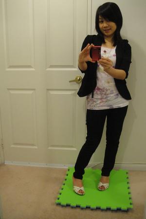 ae t-shirt - Cover Girl blazer - Zara jeans - Aveda shoes - no name accessories