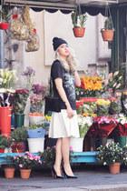 blue Bottega Veneta pumps - white Zara skirt - black dignitycloth t-shirt