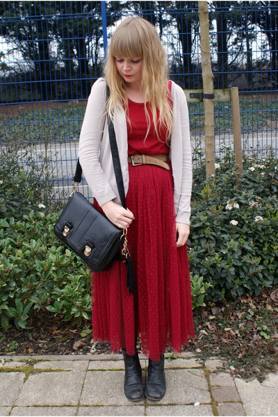 red mesh Dahlia dress - black Oasapcom bag - brown vintage belt