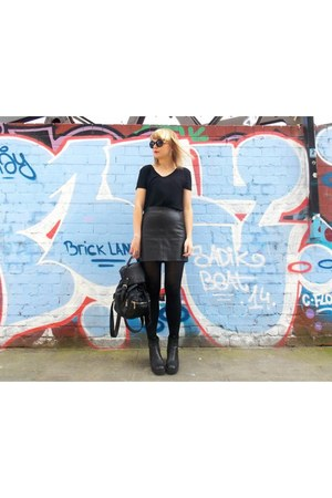 black leather Topshop skirt