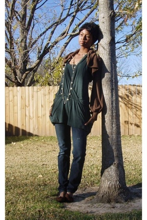 unknown top - Double zero sweater - Wet Seal jeans - flea market necklace - flea