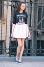 Keds-shoes-tobi-skirt-fabcom-t-shirt