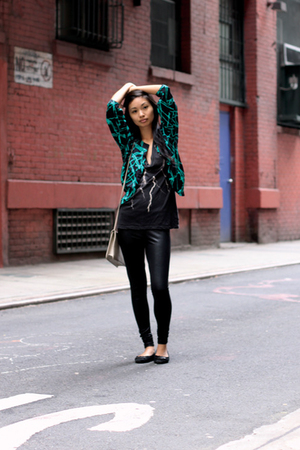 vintage jacket - Urban Outfitters t-shirt - Urban Outfitters Outfitters leggings