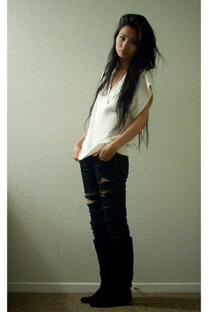 Secondhand sweater - DIY jeans - penny loves kenny shoes