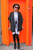 black pork pie hat - black kimono sleeve hurwundeki jacket