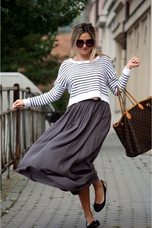 gray Zara skirt - H&amp;M sweater - Louis Vuitton bag - Prada sunglasses