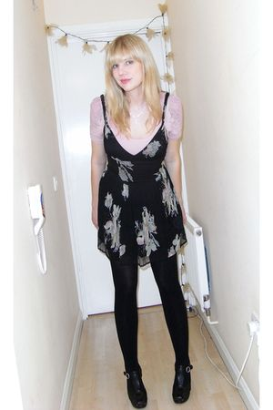 black Kate Moss for Topshop dress - black See by Chloe shoes - pink H&M t-shirt