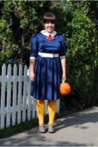 blue vintage dress - gold tights - gray Nine West shoes - white belt
