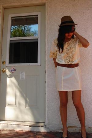 vintage dress - Urban Outfitters hat - forever 21 belt - vintage shoes