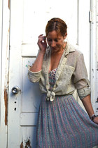 violet floral print free people dress - beige Urban Outfitters shirt