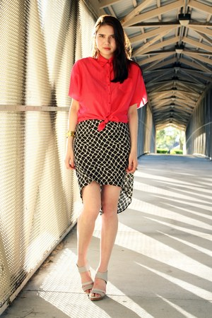 black threadsence skirt - nude 8020 shoes - hot pink Splendid top