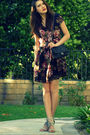 Brown-vintage-dress-black-vintage-chanel-purse-beige-pour-la-victoire-shoes