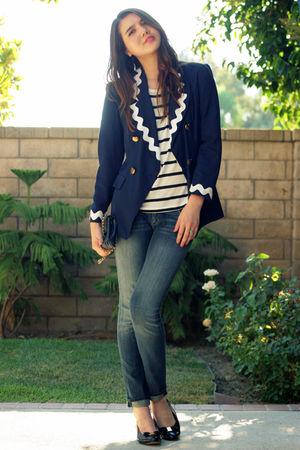 blue vintage blazer - white H&M top - blue Hudson jeans - black Salvatore Ferrag