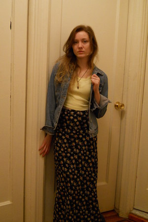 black floral maxi skirt - blue denim Guess jacket