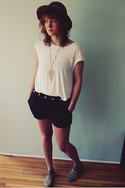 thrifted hat - numph shorts - thrifted necklace - Matiko flats