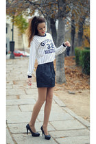 white stripes PERSUNMALL sweater - black animal print suiteblanco skirt