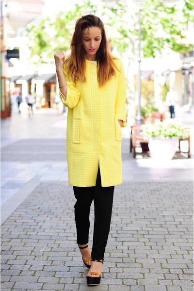 light yellow hoss intropia coat - black hoss intropia heels