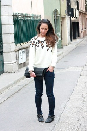 ivory leopard SANDRO sweater - black studded Maje boots