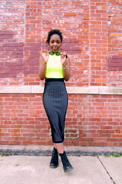 black midi Motel Rocks skirt - yellow neon cropped top