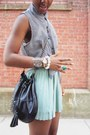 Light-blue-pleated-calico-skirt-striped-forever-21-top