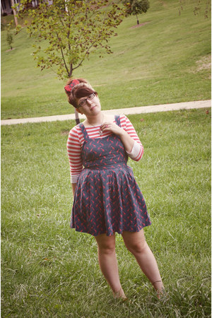 red striped shirt Old Navy shirt - navy Urban Outfitters dress
