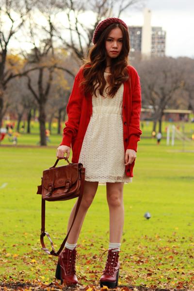 Dark-brown-leather-bonia-bag-brick-red-tardy-platform-jeffrey-campbell-boots_400