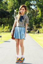 boyfriends shirt - light blue Monki skirt