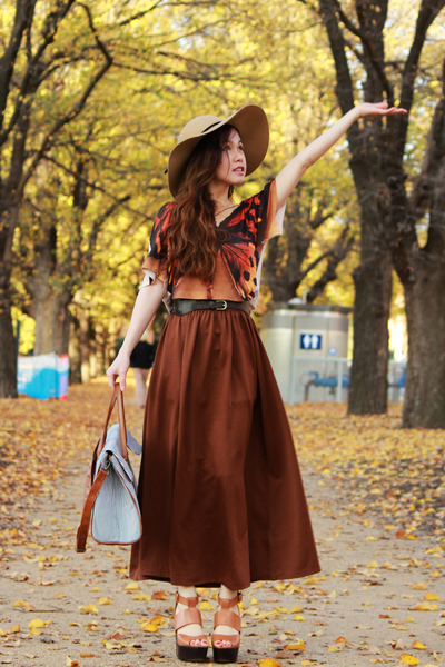 tan bardot hat - dark brown Monki skirt - burnt orange H&M top - tawny platform
