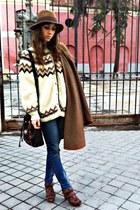 blue Zara jeans - brown hm hat - dark brown vintage bag - brown vintage cape - d