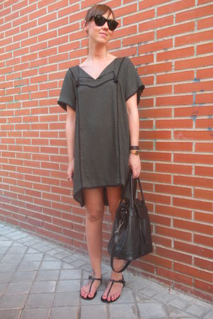 gray Zara dress - black vintage from templo de susu accessories - black Ray Ban