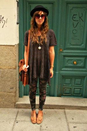 brown vintage bag - brown Zara shoes - gray hm sweater - gray Bershka leggings