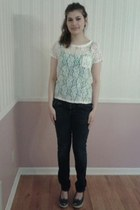 cream lace t-shirt - navy skinny jeans jeans - teal tank top top