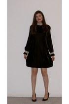dark brown velvet vintage dress - dark brown suede Van Eli heels