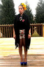 Pink-target-floral-shorts-black-tjmaxx-shawl-accessories