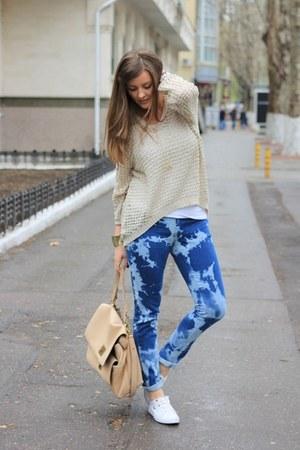 Mango jeans - Mango sweater - DKNY bag - Mango bracelet - Lacoste sneakers