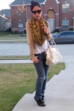 purple accessories - black shoes - beige Forever21 sweater - beige purse