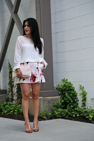 H&M bag - Zara shorts - Badgley Mischka sandals - Forever 21 blouse