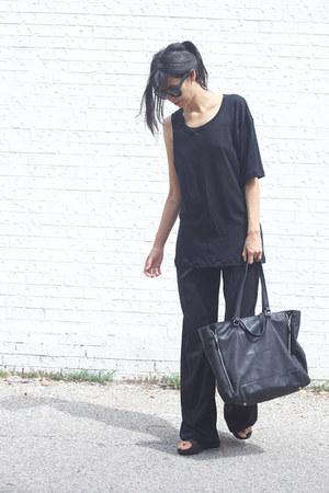 black zipper Zara bag - black palazzo Zara pants - black slides Topshop sandals